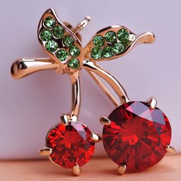 Wholesale Crystal Pin For Clothes - Delicate Red Cherry Austrian Crystal Brooches For Wedding Bouquet Women Hijab Pins Scarf Clips Clothes Sweater Pin Up Broches