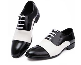 Wholesale Low Price Wedding Dresses - Hot sale lowest price 2016 Black Patent Leather Shoes Men Pointed Toe Dress Shoes Breathable Fashion Male Wedding Shoes Men's Flat Rubber so