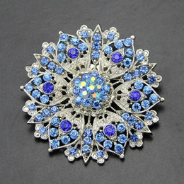 Wholesale New Mother Flowers - The new alloy rhinestone jewelry accessories pearl blue crystal jewelry diamond brooch brooch alloy holding flowers