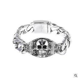 df848f75d28c Schädel Edelstahl Armband Titan Armband Retro Schädel Indische Armreifen Edelstahl  Armband Männer Punk Harley Biker DHL