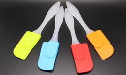 Espátula de cozinha plástica on-line-Nova moda ferramentas de silicone ferramentas de cozimento do bolo de silicone espátula de cozimento raspador misturador de manteiga ferramentas de pastelaria de cozinha de silicone alça de plástico