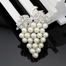 Wholesale Crystal Grapes Wholesalers - 2016 new foreign trade orders for hot deals grape crystal brooch Russian brooch pearl collar pin jewelry bouquet buck