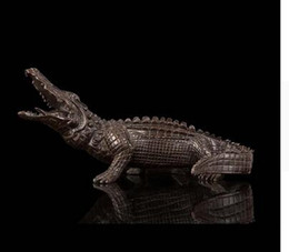 Wholesale Dragonfly Tops - Vintage CRAFTS ARTS ATLIE BRONZES Chinese Retro imitation antiques bronze small crocodile sculpture artwork statue top quality new year gift