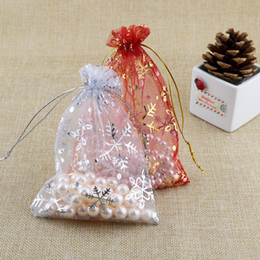 Wholesale Wholesale Printed Organza Gift Bags - 100PCs 9*12cm Red White Snowflake Organza Gift Bags Pouches Wedding Christmas Gift For Jewelry Packaging