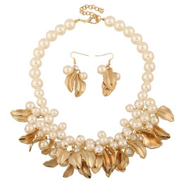 Wholesale Pearl Diamond Earrings Yellow Gold - Europe Exaggerated Pearls Necklace Earring Sets Women Leaf Necklace Yellow White Short Necklace Wedding Gifts Free Shipping