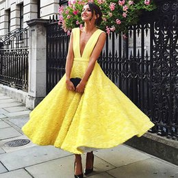Wholesale Lace Plunge Top - 2016 Charming Tea Length Prom Dress Yellow A Line Sexy Plunging V Neck Sleeveless Vestidos Fiesta Top Quality Evening Party Gowns Custom