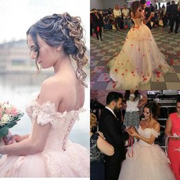 Wholesale Discount Lace Up Bridal Gowns - Vestido de Novia 2016 Arabic Pink Ball Gown Wedding Dresses Off-Shoulder Backless Puffy Skirt Bridal Gowns Big Discount Bridal Gowns Custom