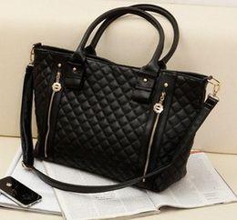 Wholesale Chain Closures - 2016 Fashion Handbags Woman Bags Ladies Handbags Totes with Shoulder Plain Zipper Closure Luxury Handbags for Women Bags