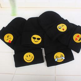 2019 niños pequeños de ganchillo Emoji Gorras Bebé recién nacido Niño Invierno Beanie Hat Unisex Crochet Emoji Earflap de punto Gorras calientes IB342 niños pequeños de ganchillo baratos