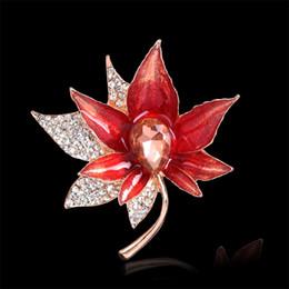 pin di foglia d'acero Sconti Crystal Red Canada Maple Leaves Spille Fiore nazionale Spille Perni Corsage Scarf Clips Donna Oro Gioielli anniversario di natale 170670