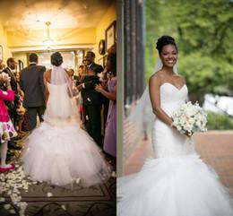 Vestido de sirena drapeado de tul online-2016 nuevos vestidos de novia Elegent sirena cariño drapeado con flores Barrer botón de tren de nuevo más tamaño formal vestidos de novia