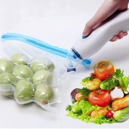 Wholesale Vacuum Bags For Food - Eu Plug Automatic Vacuum Sealer With 5pcs Vacuum Bags For Free Household Handheld Vacuum Saver Food Sealing Machine