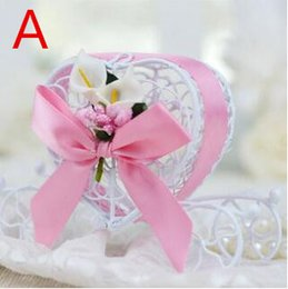 Wholesale Colored Wedding Favor Boxes - New European style 10color Fairy Tale carriage Multi-Colored Metal Candy Gift Chocolate Favor Boxes With Heart Design Candy box TH216