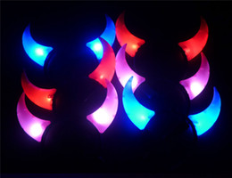 Fascia lampeggiante del corno del diavolo online-Vendita calda LED Flash Light Haloween Devil Horns Headband Cosplay per la decorazione di festa Celebration Christmas Lights