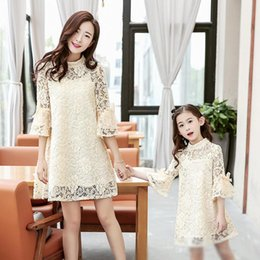Wholesale Korean Mother Daughter Dress - New Korean Family Dress Mum Girl Dresses Mother And Daughter Lace Dresses Pure Color Pagoda sleeve Big Bat Bowknot Dresses Pink Beige