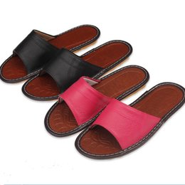 Wholesale Donna Brown - Wholesale- New Summer spring Leather Home Shoes Slippers Women Men Pantufas Household Chinelo Pink Slipper Couple Pantuflas Pantofole Donna