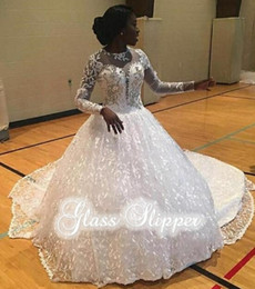 Wholesale Wedding Gowns Muslim Brides - Saudi Arabic Vintage Wedding Dresses Lace Appliques Beaded Ball Gowns Sheer Plunging V Neck Long Sleeves Chapel Train Bride Gowns