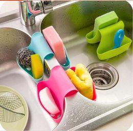 Duplo Sink Caddy Saddle Estilo Organizador Da Cozinha De Armazenamento Esponja Rack De Suporte Demasiado Uma variedade de entrega da cor da mistura de
