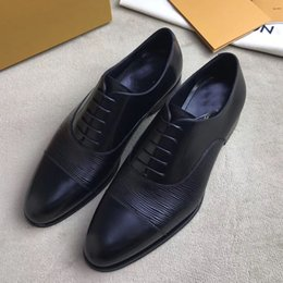 Wholesale Embossed Wedding - 2017 qualiIdeal for business, this elegant lace-up combines plain calf leather with Epi-embossed calf leather free shipping size38-44