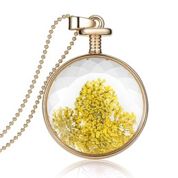 Wholesale Wholesale Valentines Presents - Crystal Glass Fashion Jewelry Yellow Flower Charms Necklace Plant Specimens Necklace Valentines Day Gifts For Girls Lovely Present
