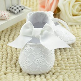 Wholesale Shoes For Baptism - Wholesale- 2015 Pure White Christening Baptism Lace Princess Newborn Baby Girl Shoes Infant Toddler Flower First Walkers Shoes For Girls