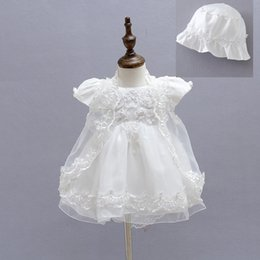 Wholesale Christening Gowns For Newborns - Tulle Lace Baby Girls Christening Gown Dresses+Hat+Shawl Vestidos Infantis Princess Wedding Party Lace Dress for Newborn Baptism 3PCS SET