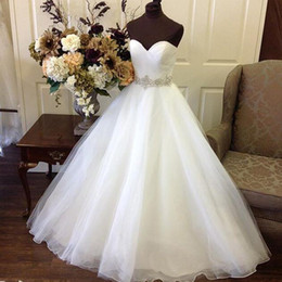 Wholesale Cheap Wedding Dresses Sweetheart Neckline - Stunning Cheap Ball Gown Dream Dress Wedding Gowns Sweetheart Neckline Sleeveless Organza Bridal Formal Wear with Beaded Crystals Belt