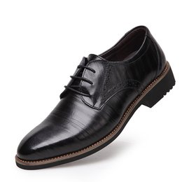 Wholesale Office England - 2016 New England ventilation business-casual shoes men's black yellow brown shoes wedding shoes dress shoes Oxford shoes