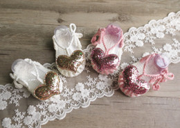 Wholesale Handmade Baby Girls Shoes - Baby Shoes New 2017 Sequin Love Hear handmade Knit Little Girls First Shoes lace-up bows Infant first walkers Newborn sandals C1836