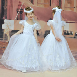 Wholesale Tulle Bustle - New Arrival beautiful Short Sleeves Flower Girl Dresses Embroidery Kids Ball Gown with Bustle