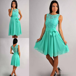Wholesale engagement chiffon dress - A Line Lace And Chiffon Aqua Green Bridesmaid Dresses With Belt Bow Crew Neck Knee Length Formal Dresses Engagement Prom Party Guest Gowns