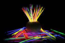 Wholesale Hot Bracelet Glow - Hot LED Glow Stick Bracelet Necklaces Neon Party Flashing Light Stick Wand Novelty Toy LED Vocal Concert Sticks LED Cheer Props
