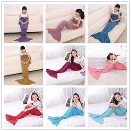 Disfraz de sofa online-Kids Mermaid Blanket 140 * 70cm Hecho a mano Mermaid tail mantas Mermaid tail Sleeping Bag Knit sofá Nap Mantas traje Cocoon B0723