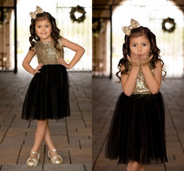 Wholesale girls sparkly dresses - Black Gold Sequins Tulle Flower Girls Dresses For Weddings Children Party Dresses Sparkly Girls Pageant Dresses Knee Length