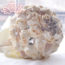 Wholesale Wedding Bouquet Styles Roses - Crystal Brooch Wedding Bouquet Fabric Artificial Rose Durable Wedding Flower Bridesmaid Hand Flower 2016 New Style
