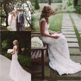 Wholesale Trumpet Wedding Dress Keyhole - 2016 Modest Country Style Mermaid Lace Wedding Dresses V Neck Keyhole Back Vintage Bridal Dress Outdoor Bridal Gowns