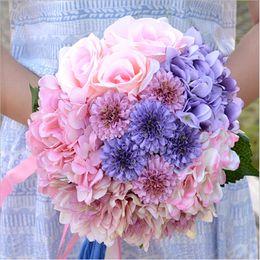 Wholesale Красивый фиолетовый розовый цвет свадебные невесты цветок свадебный букет искусственный цветок розы свадебные букеты