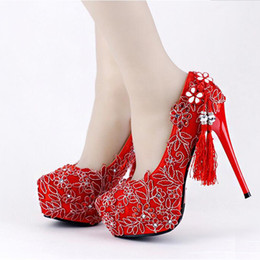 Wholesale Chinese Women Wedding Shoes - Red Lace Wedding Shoes Chinese Style Handmade High Heeled Bridal Shoes Satin Cheongsam Dress Shoes Women Party Pumps Tassel