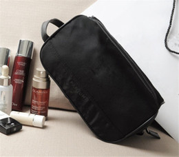 Wholesale Free Gift Logo - 2016 LOGO Women Black Parfums Makeup Cosmetic Bag Travel Square Case Wallet Clutch VIP Gift High Qaulity Free Shipping