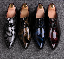 Wholesale Grooms Black Shoes - Men Dress Wedding Shoes Shadow Patent Leather Luxury Fashion Groom Party Shoes Men Oxford Shoes 38-48 Male Casual Flats