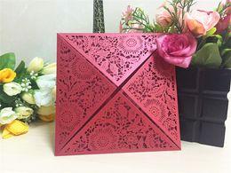 Canada Cartes d'invitations de mariage coupées au laser rouge avec des fleurs rouges fiançailles pour mariage cartes de fête d'anniversaire Offre