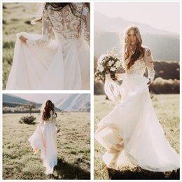 Vestido elegante ao ar livre on-line-Elegante Sheer mangas compridas Lace País Outdoor Vestidos de casamento Chiffon Trem Tribunal Vestidos de noiva do casamento Bohemian