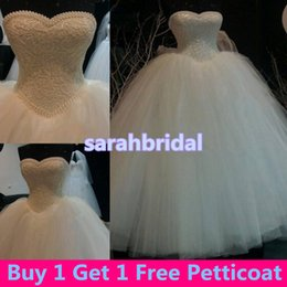 Wholesale Cheap White Victorian Dresses - Vintage Victorian Masquerade Ball Bridal Gowns for Luxury Arabic Saudi Arabia Princess Style Brides Wear Sale Pearls Wedding Dresses Cheap