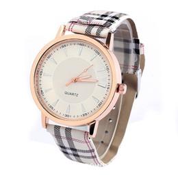 Wholesale Joker Quartz - Business Watches For Men Print Strap Watch Retro Fashion Casual Joker Lattice Leather Strap Watches Women Dress Quartz Wristwatch