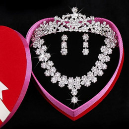 Wholesale Selling Barrettes - Free shipping Exquisite packaging Crystal Crown Best Selling Bride jewelry Crystal Necklace Wedding Dresses tiaras Crystal Earbob