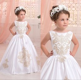 Wholesale T Shirts For Girls Embroidery - 2017 Elegant White First Communion Dresses for Little Girls Gold Appliques Ball Gown Flower Girl Fresses for Weddings Custom Made