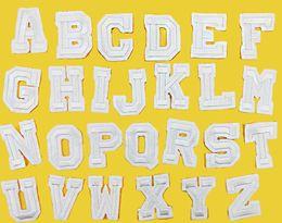accesorios de planchado Rebajas 26 unids / set A-Z Puro Blanco Inglés Parche de Hierro En Bordado Parches para la Ropa con la Ropa Apliques DIY Accesorio