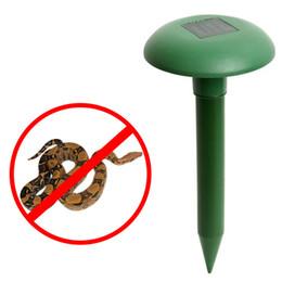 Wholesale Solar Snake Repeller - New Ultrasonic Waves Solar Powered Outdoor Garden Pest Rodent Snake Repeller Hot Sales