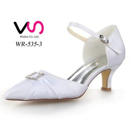 Wholesale Rubber For Hand Made Shoes - White Color Pointy Shoe Toe with Crystal Buckle Ivory Color Hand Made Bridal Wedding Shoes for Wedding Wedding Dress Shoes From Euro Size 35