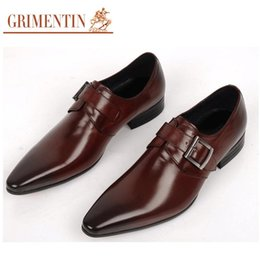 Wholesale Luxury Black Wedding Shoes - Man dress shoes fashion Italian luxury casual mens shoes genuine leather black brown buckle design flats for men business size:6-10